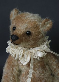 Pell - a distressed antique style teddy bear by Victoria Allum of Humble Crumble Bears - www.victoriaallum.co.uk