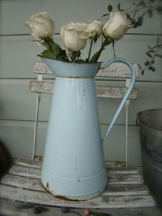 pretty French blue watering can with white roses Vibeke Design, Benjamin Moore Colors, Vintage Enamelware, French Country Style, Shabby Chic Cottage, Light Painting, Color Of The Year, Country Decor, Rustic Decor