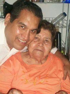 Carlos y su mama