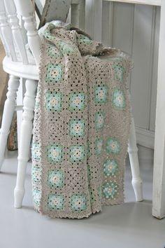 Color inspiration :: Light gray, light sage green, mint green (light blue?), soft white   . . . .   ღTrish W ~ http://www.pinterest.com/trishw/  . . . .  #crochet #afghan #blanket #throw