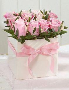 Flowers Box Roses Pink New Ideas Vintage Flowers, Fresh Flowers, Pretty Flowers, Arrangements Ikebana, Floral Arrangements, Deco Floral, Arte Floral, Frühling Wallpaper, Rosen Box
