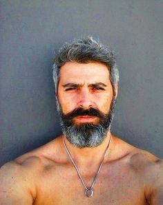 Handsome man and looks good =) Different Beard Styles, Beard Styles For Men, Hair And Beard Styles, Beard Boy, Beard No Mustache, Hairy Men, Bearded Men, Oscar 2017, Grey Beards