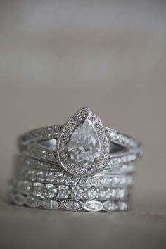 Diamond Rings \\