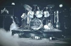 Peter Criss, Kiss Pictures, Hot Band, Iron Maiden, Concert, Army, Kiss Rock Bands, Rock Bands, Kissing Pics