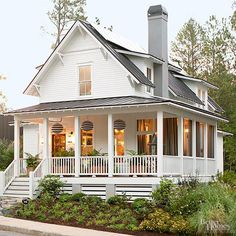 Building a Dream House: 5 Farmhouse Style Favorites