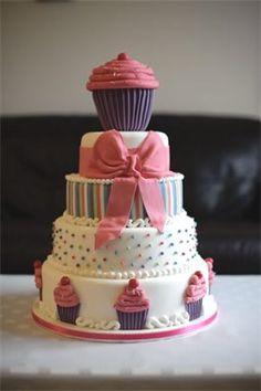 www.facebook.com/cakecoachonline - sharing...Gorgeous girly cake!
