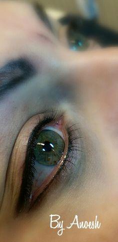 Halverwege, eyeliners af, nu de wenkbrauwen | PMU by Anoesh Brows, Lashes, Permanent Eyeliner, Types Of Cats, Formal Makeup, Cosmetic Tattoo, Make Up, Cat Eyes, Hair And Nails