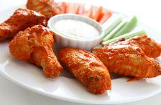 Recette d'ailes de poulet Buffalo toute simple et rapide à cuisiner.