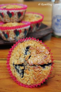 Blueberry Oatmeal Muffin - Muffins for Health - Blueberry Recipes Blueberry Oatmeal Muffins, Blue Berry Muffins, Baker And Cook, Blueberry Recipes, Frozen Blueberries, No Bake Treats, Eat Breakfast, Nutella, Singapore