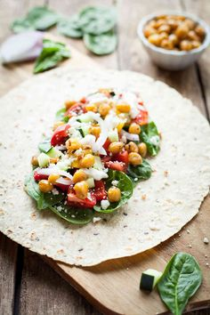Greek Chickpea Wraps are easy, crunchy, and tangy! Roasted chickpeas, fresh veggies, and feta cheese make these sandwiches a great vegetarian lunch! Healthy Pastas, Healthy Fruits, Healthy Smoothies, Healthy Snacks, Healthy Eating, Tofu Sandwich, Tempeh, Healthy Recipe Videos, Healthy Dinner Recipes