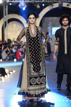 Pakistani Bridal Wear Lehenga, Pakistani Wedding Dresses By Asifa & Nabeel Bridal Collection At PFDC L`Oreal Paris Bridal Week Onl. Pakistani Bridal Wear, Pakistani Wedding Dresses, Formal Dresses For Weddings, Pakistani Outfits, Indian Dresses, Indian Outfits, Bridal Dresses, Pakistani Clothing, Eid Outfits