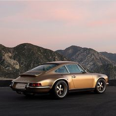 Golden 911 from @singervehicledesign  Never thought that I would find a golden car this interesting  Another one via: @benedictandco