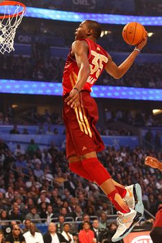 Kevin Durant dunking in the all star game