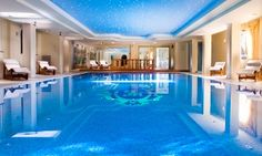 Groupon - Lago di Garda, Hotel Ville Montefiori 4* - Fino a 3 notti con colazione e spa da 99 €, più 1 cena da 149 € per 2 persone a Gardone Riviera (BS). Prezzo Groupon: €99