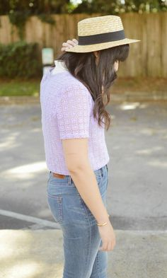 Curious Natalia, Style Blogger, Fashion Blogger, Forever 21, Madewell, Urban Outfitters. Lavender crop top, high rise jeans, straw hat, nude sandals.