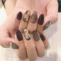 Pin by Inara Inara on dizaina idejas nagiem. in 2019 Crazy Nail Designs, Diy Nail Designs, Gel Nail Art, Gel Nails, Korea Nail, Elegant Nail Art, Marble Nail Designs, Japanese Nail Art, Garra
