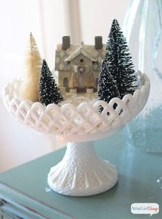 Christmas Tablescapes, Christmas Mantels, Cozy Christmas, Christmas Centerpieces, Rustic Christmas, Beautiful Christmas, White Christmas, Christmas Time, Vintage Christmas
