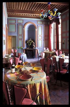 Colorful #French dining room