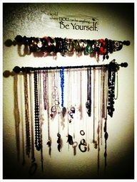 Jewelry hanger with quote