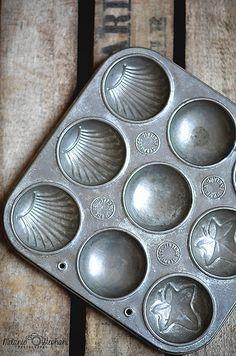 Vintage baking tin