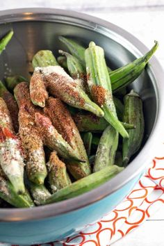 Spicy Grilled Okra: Fresh grilled okra is one of the best and easiest summer recipes! Perfect to grill in a fish basket or on skewers. Plus all the tips you need on how to cook okra without the slime. Vegetarian Barbecue, Healthy Grilling, Barbecue Recipes, Vegetarian Cooking, Easy Cooking, Grilling Recipes, Vegetarian Recipes, Cooking Recipes, Italian Cooking