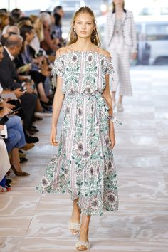 Tory Burch Spring 2017 Ready-to-Wear Fashion Show - Romee Strijd