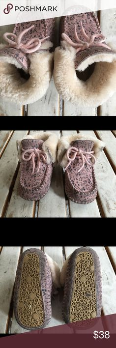 UGGS Toddler 4/5 GUC UGG Shoes Rain & Snow Boots