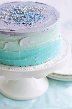 Pool Party : Soft blues & purple cake : Pretty cake inspiration