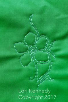 The Daffodil-A Machine Quilting Tutorial - Lori Kennedy Quilts Longarm Quilting, Quilting Tips, Quilting Tutorials, Quilting Projects, Machine Quilting Tutorial, Machine Quilting Designs, Free Motion Embroidery, Free Motion Quilting, Quilting Templates