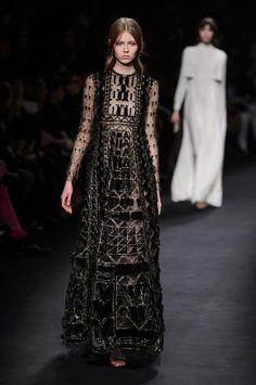 Valentino | Paris | Inverno 2016 - Vogue | Desfiles
