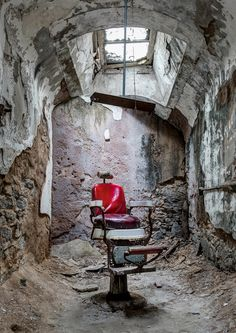 'The Barber' by Fern Blacker/Photocrowd.com – Philadelphia, USA