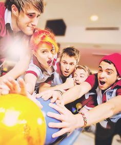 Aww the older Paramore