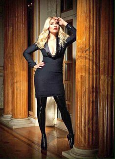 Holly Willoughby This Morning, Holly Willoughby Outfits, Stylish Outfits, Fashion Outfits, Women's Fashion, Stylish Clothes, Classic Fashion, Sexy Librarian, Tv Presenters