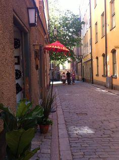 Rua em Estocolmo, Suécia.