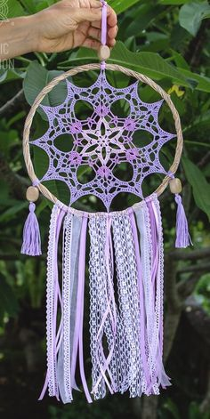 Pin de Virginia Trincado en Cositas sueltas Dream Catcher Pink, Dream Catcher Decor, Large Dream Catcher, Crochet Earrings Pattern, Crochet Motif, Crochet Doilies, Doily Patterns, Macrame Patterns, Crochet Patterns