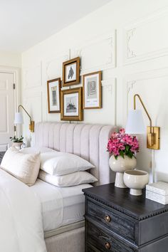wainscoting on the walls Industrial Office Design, Modern Office Design, Office Interior Design, Office Interiors, Small Picture Frames, Picture Frame Molding, Parisian Architecture, Commercial Office Design, Wainscoting