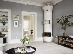 Gothenburg Home In Soft Grey And Green (Gravity Home) Glam Living Room, Living Room Interior, Living Room Decor, Grey Walls Living Room, Interior Livingroom, Beautiful Interior Design, Home Interior Design, Interior Architecture, Contemporary Interior