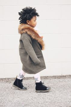I can't get over the toddlers outfit. This blog has the cutest style inspiration for kids. Lot801 baby girl style