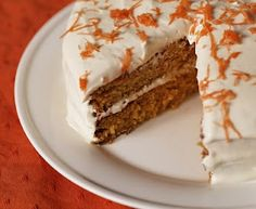 Healthy Carrot Cake- So excited to try this! Alternatives to white sugar and flour! This will be my first ever Spelt flour baking project! Healthy Carrot Cakes, Healthy Baking, Healthy Desserts, Just Desserts, Delicious Desserts, Yummy Food, Sweet Desserts, Healthy Recipes, Cupcakes