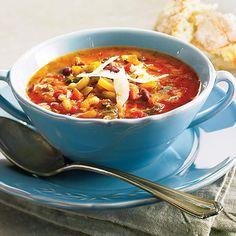 Soupe-repas aux légumes, au boeuf et à la saucisse Saveur, Soup Recipes, Chili, Food, Ajouter, Green Beans, Cream Soups, Cheese, Chile