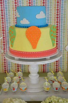 Cake at a Hot Air Balloon Party #balloon #partycake