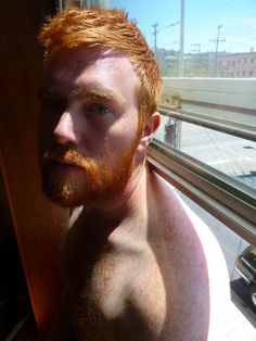 Parisian guy and big fan of Ginger & Hairy Men. Hairy Men, Bearded Men, Hot Ginger Men, Ginger Guys, Ginger Ale, Ginger Head, Redhead Men, Red Beard, Hommes Sexy