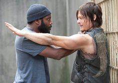 Tyreese Williams and Daryl Dixon in The Prison ● Season 4 | The Walking dead