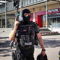 "Spezialeinsatzkommandos (SEK) (previously also known as Sondereinsatzkommando, ""Special Operations Command"""