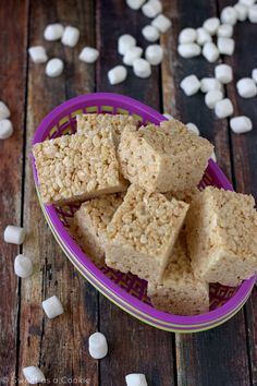 This recipe is the best Rice Krispie treats recipe ever! My Secrets to the Perfect Rice Krispie Treats via Sweet as a Cookie Rice Krispy Treats Recipe, Rice Crispy Treats, Krispie Treats, Rice Krispies, Just Desserts, Delicious Desserts, Yummy Treats, Sweet Treats, Yummy Food