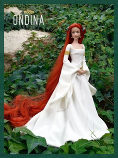 Ondina, inspired by the story of the author and illustrator Benjamin Lacombe. Reroot and Crown of flower Barbie Wedding Dress, Barbie Gowns, Doll Clothes Barbie, Barbie Dress, Disney Barbie Dolls, Manequin, Bride Dolls, Beautiful Barbie Dolls, Barbie Fashionista