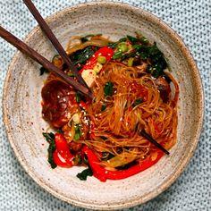 Creamy Tom Yum Soup (Thai Hot and Sour Soup) - Alphafoodie Tom Yum Noodle Soup, Tom Yum Noodles, Tom Yum Soup, Vegetarian Snacks, Healthy Snacks, Thai Hot And Sour Soup, Japchae Noodles, Korean Glass Noodles, Mushroom Varieties
