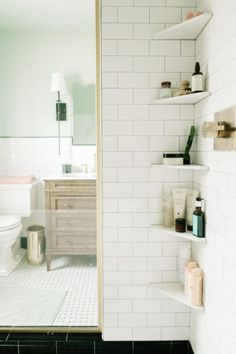 W&D Renovates: Upstairs Bathroom Makeover - Wit & Delight