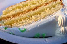 Cake from Smitten Kitchen: the perfect basic vanilla cake recipe. I combined the cake with Ina Garten's lemon curd recipe (easy and delicious) www. and this vanilla buttercream frosting (double the recipe) www. Lemon Curd Cake, Lemon Curd Recipe, Lemon Recipes, Vanilla Cake, Cake Recipes, Paula Deen Lemon Cake Recipe, Frosting Recipes, Healthy Recipes, Just Desserts