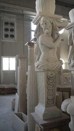 """Scultura """"Cariatide"""" in pietra - http://achillegrassi.dev.telemar.net/project/scultura-in-pietra-bianca-di-vicenza/ - Splendido esempio di scultura raffigurante una cariatide femminile in Pietra bianca di Vicenza. Da notare la doviziosa cura nella realizzazione dei particolari da parte dei nostri abili scalpellini.  Dimensioni:  60cm x 60cm x 230cm (H)"""